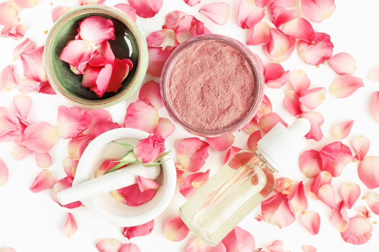 agua de rosas beneficios